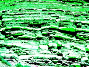green-blk_strata_ajai800